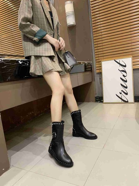 New shelves luxury designer ladies boots suede leather New mid-length boots fashion sexy black boots 35-41 yards wholesale