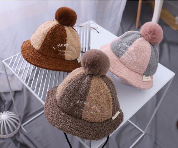 Babyeimerhutwinterjunge und Mädchenkindgarnhäkelarbeithüte handgemachte Winterhüte für 0-3T Babywinter 5pcs / lot