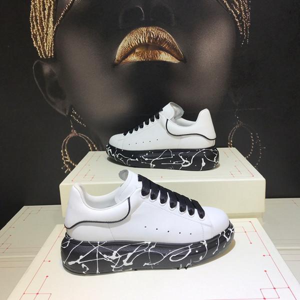 De nouvelles chaussures à semelles épaisses, chaussures de sport en cuir, chaussures de sport à la mode pour les hommes et les femmes dans la station européenne