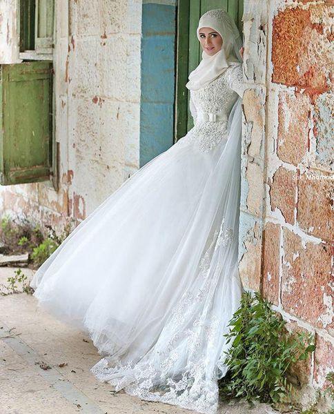 New Fashionable Wedding Dresses Saudi Arabia Vintage A Line Long Sleeve Wedding Dresses Sexy Lace Bridal Gowns Muslim Wedding Gowns
