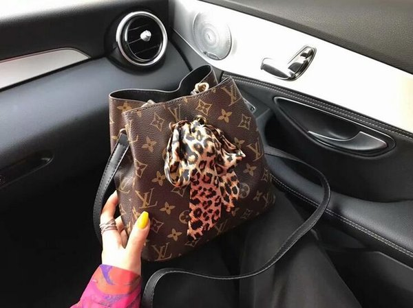 2019 women's Fashion Bucket Bag High Quality Genuine Leather Shoulder Bag Classic Design Crossbody Bags Lady Handbags more colors 21*20
