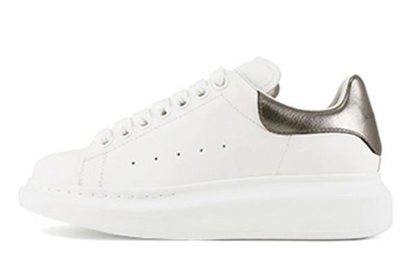 2018 leder dicke Alexander mcqueen mcqueens sneakers turnschuhe rote sterne weiße schuhe erhöhen wilde paar herren frauen schuhe nein mit box weiß rosa