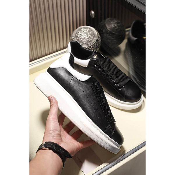 2019 Designer-Turnschuhe Classic Black Arbeiten Sie echtes Leder-Designer-Schuh-Plattform-Schuh-flache beiläufige Skate-Schuhe für einen Mann eine Frau