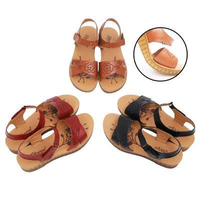Yaz rahat vahşi yuvarlak sandalet kadın ile orta yaşlı kaymaz aşınmaya dayanıklı plaj ayakkabı jöle alt anne ayakkabı