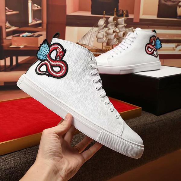 2018 TOP Fashion Man Designer Shoe Brand White Snake Ace Zapatillas de cuero bordadas High-Top Zapatos de vestir de lujo Zapatos casuales para hombres