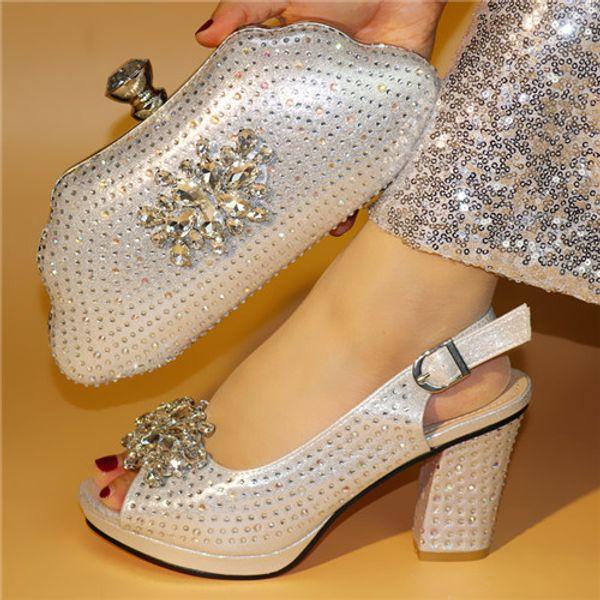 Yeni Gümüş Renk Afrika Eşleşen Ayakkabı ve Çanta Kadınlarda İtalyan Nijeryalı Parti Ayakkabı ve Çanta Setleri Kadın Ayakkabı ve Çanta Seti İtalya