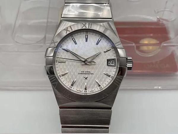 Белый 001