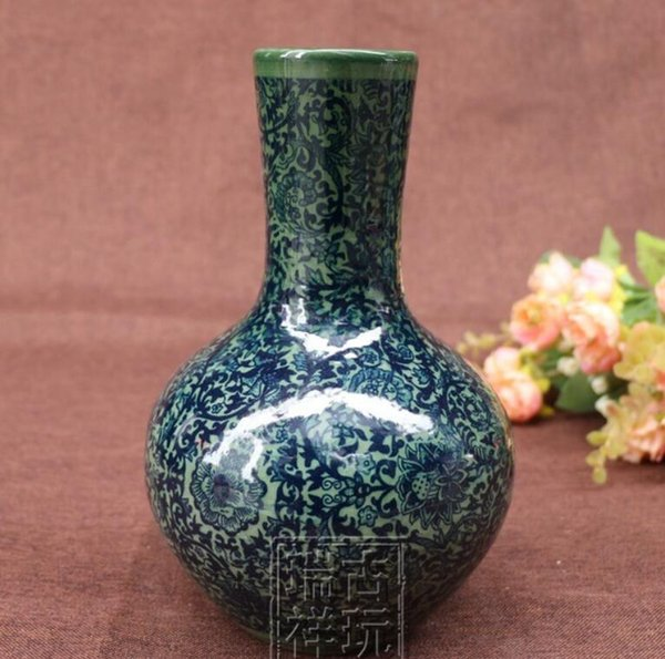 Chinese jingdezhen old blue and white porcelain vase