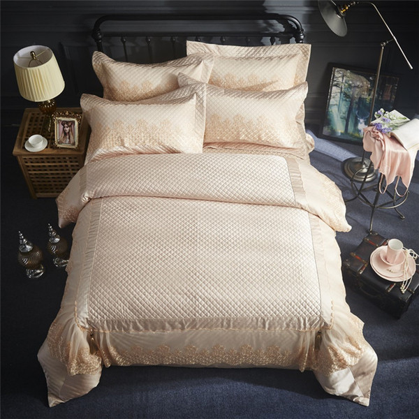Golden color Luxury Egyptian Cotton Wedding Royal Bedding set Queen King size Lace bed duvet cover sheet set Bedclothes 36