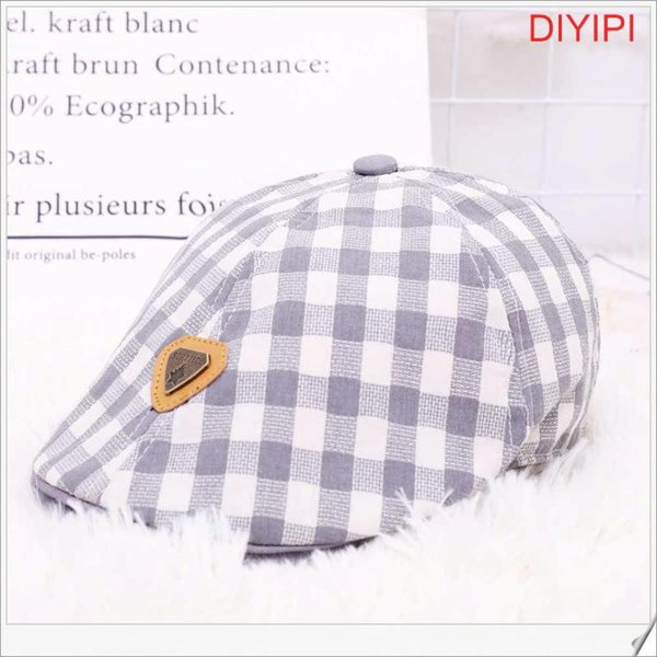 Grau Plaid Triangular Norm
