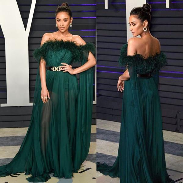 Sexy Deep Green 2020 A Line Prom Dresses Sleeveless High Split Evening Dress Off Shoulder Chiffon Sheer Skirt with Feather