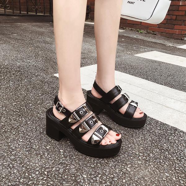 Sandalet punk ayakkabı kadınlar gladyatör sandalet kadınlar yaz ayakkabı kadın kama ayakkabı bayan strappy topuklar rahat sandalet YMA857