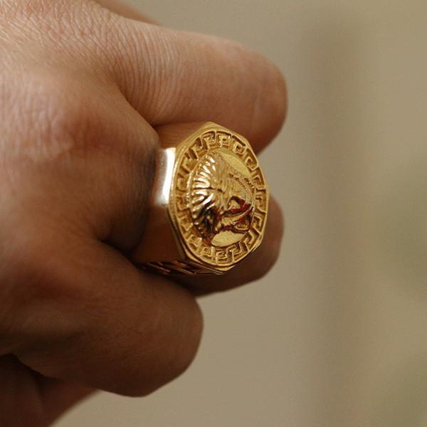 Anillo Medusa de acero inoxidable Venta caliente Hip Hop Titanio Anillo de dedo de acero Dorado ahueca hacia fuera el anillo de la manera de los hombres