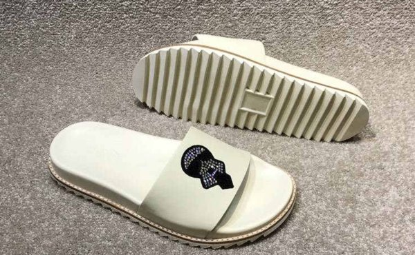 2019 new classic men's slippers brand supplier fashion high-end custom nail bead men's shoes relaxed black and white casual