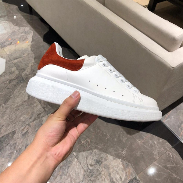pantoufle de plate-forme Vintage Chaussures Casual Black Lace Up Designer Comfort Pretty Girl Sneakers Chaussures en cuir Casual Hommes Femmes Chaussures T12