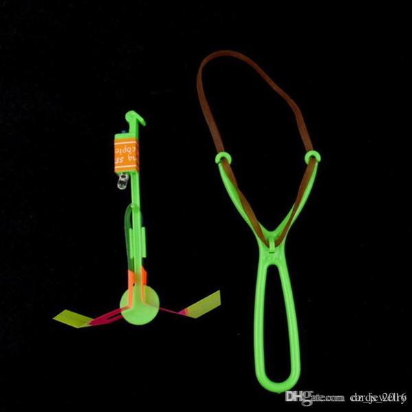 LED flèche hélicoptère LED lumière Flash Flying Elastic Powered Flash Flying Arrow Sling Shoot Up Hélicoptère parapluie enfants jouet