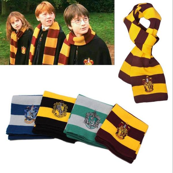 4 couleurs Echarpes College Écharpe Harry Potter Echarpes Gryffondor série écharpe avec badge cosplay Echarpes en tricot Party Halloween Costumes RRA2097