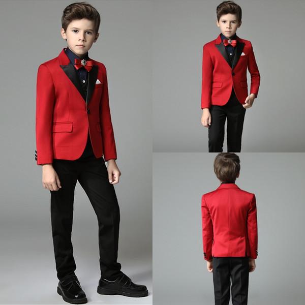 Mode rote Jungen Smoking Schal Revers junge Anzug Smoking für Hochzeitsfest 3 Stück kleine Jungen Abend Abendessen Jungen formelle Kleidung billig