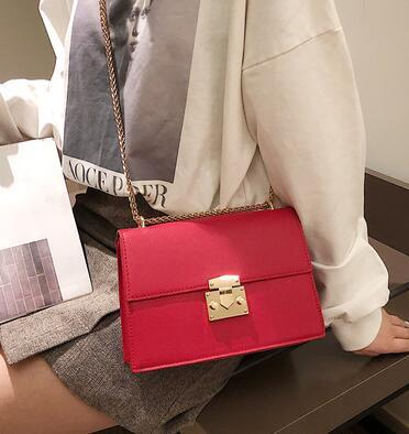 2019 new hot South Korea's new patent-leather satchel instagram bag is a versatile chain bag with a single shoulder