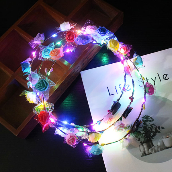Fiesta brillante corona de Halloween corona flor diadema niñas brillantes color al azar LED Light Up multicolor corona de pelo Hairband juguetes