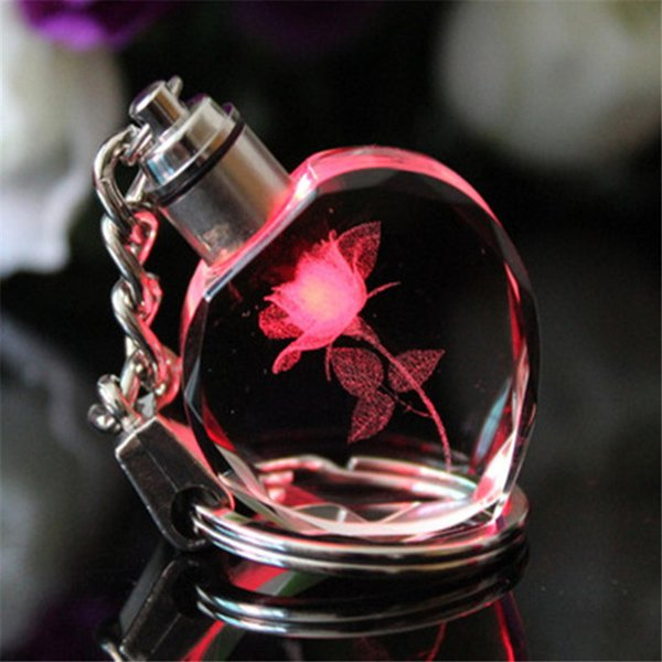 Souvenir Gift Key Chain Peach Heart Crystal Keychain Couples Party Gifts Colorful Flashing Led Lights Chaveiros Llavero