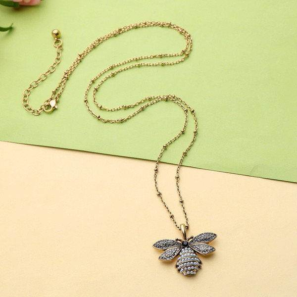 Sweater Necklace Choker Women Gold Chain Lucky Bee Necklace with Pearl Long Necklace Cute Crystal Diamonds Pendants