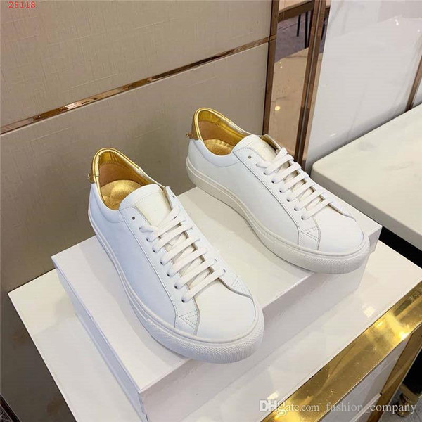Yeni bir çizgi küçük beyaz spor ayakkabı Erkekler moda sokak ayakkabı Rahat açık seyahat düşük üst erkekler Için ayakkabı gündelik konfor tarzı