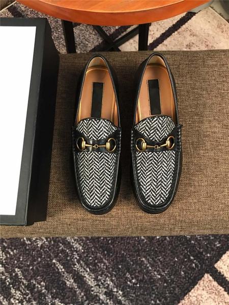 Designer italien Chaussures Hommes Robe formelles Noir Blanc Chaussures de mariage en cuir Hommes Mocassins Homme Casual Chaussure Flats Oxford 20SS MADAOB