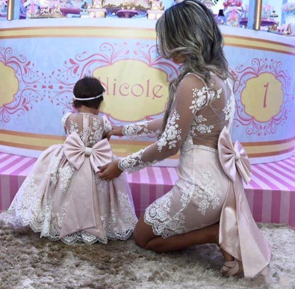 2020 Arabic Mother Daughter Princess Pink lace Ball Gown Flower Girl Dresses Long Sleeves Mother Of Bride Dresses With Big Bow