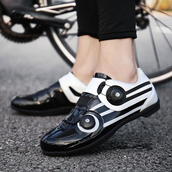 Modelos dos homens de Verão Respirável Sapatos de Ciclismo Da Bicicleta Sem Bloqueio Hard Bottom Poder Sapatos de Bicicleta de Borracha Sapatos Baixos Tamanho 39-44