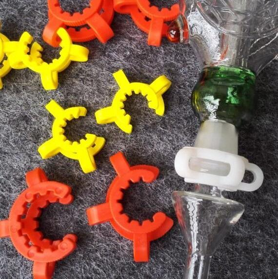 top popular Rich color 10mm 14mm 18mm plastic K Keck Clips Laboratory Lab Clamp Bong Clip For Glass Drop Down Adapter Glass Bong 2020