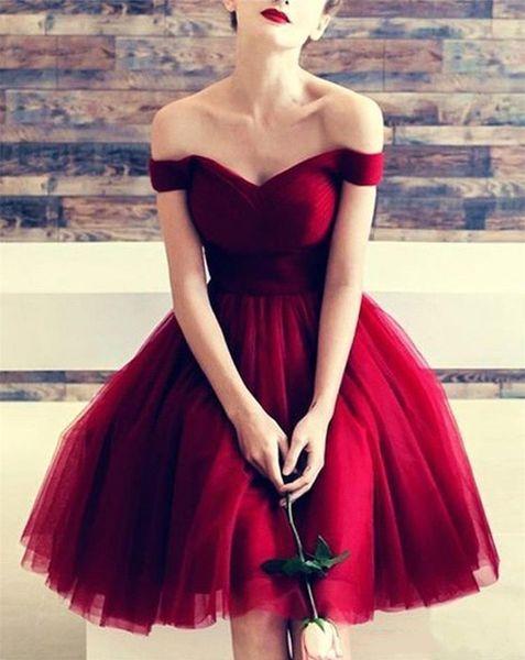 Vestidos de regreso a casa rojos atractivos de una línea 2019 Elegante fuera del hombro Volantes con gradas Hasta la rodilla Falda de tutú Vestido de fiesta Vestidos de graduación de cóctel