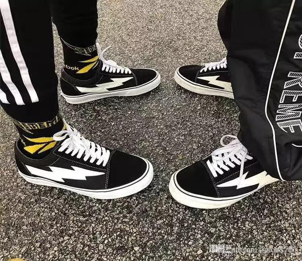 Yezee Calabasas Stylist Ian Connors Revenge X Storm Sneakers kanye west calabasas Scarpa casual Uomo Donna Scarpe Quattro colori all'ingrosso EUR36-45