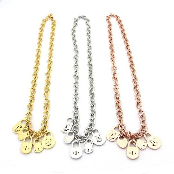 Joyería de acero inoxidable T letra multi colgante cadena fina collar 5 cerraduras damas collar grueso 18K collar de oro longitud de la cadena 49.5cm