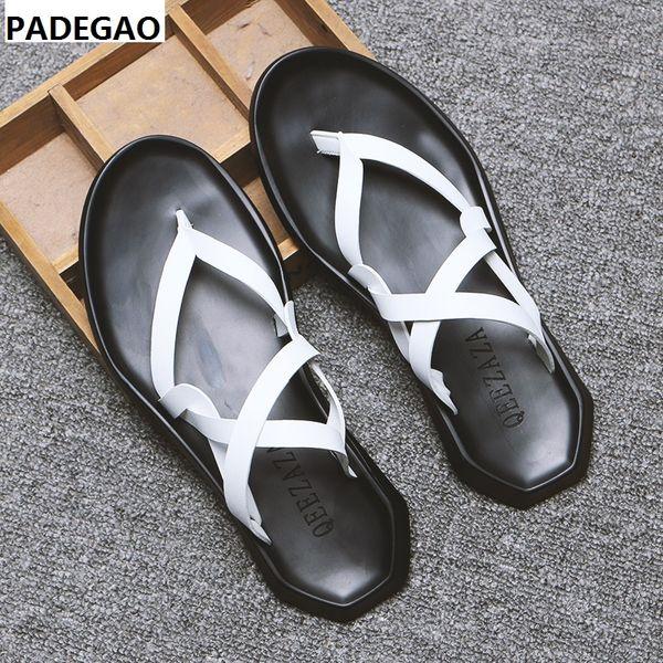 Der neue Trend des Sommers: Weiße, schwarze Ledersandalen im römischen Stil für bequeme, atmungsaktive Herrenschuhe
