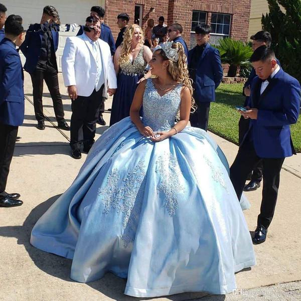 Cielo azul claro del vestido de bola Vestidos de quinceañera 2020 V mangas de cuello de encaje satinado vestidos del desfile de brillo para Chicas15 16 cumpleaños Fiesta Vestidos