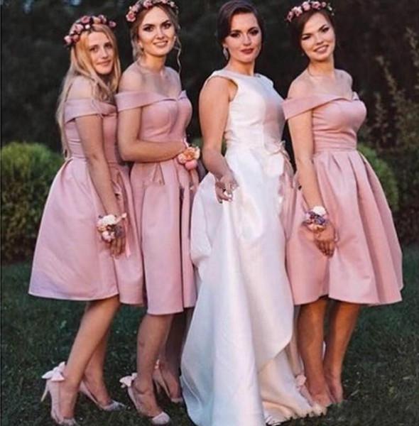 2020 Простые Короткие атласные линию Подружки Невесты с плеча Backless Длина колена Молодые девушки Свадеб платье плюс размер платья выпускного вечера