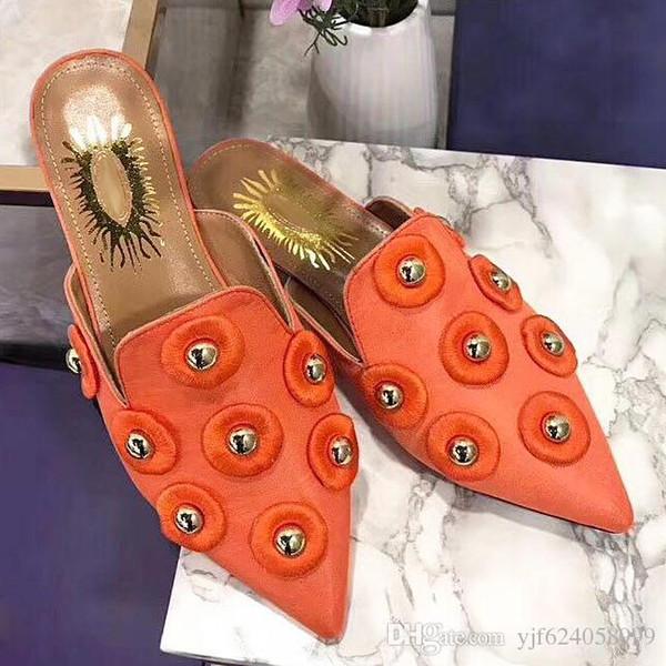 2019 nuove pantofole da donna estive design scarpe casual in pelle di moda scarpe da donna in metallo da donna pinzette casual scarpe basse con qw originale