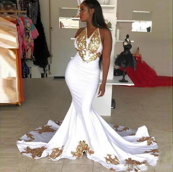 Sexy sirena blanca Vestidos de baile 2019 Cuello halter con lentejuelas de encaje doradas Vestidos de noche formales de satén largo Vestidos para niñas en negro árabe de época