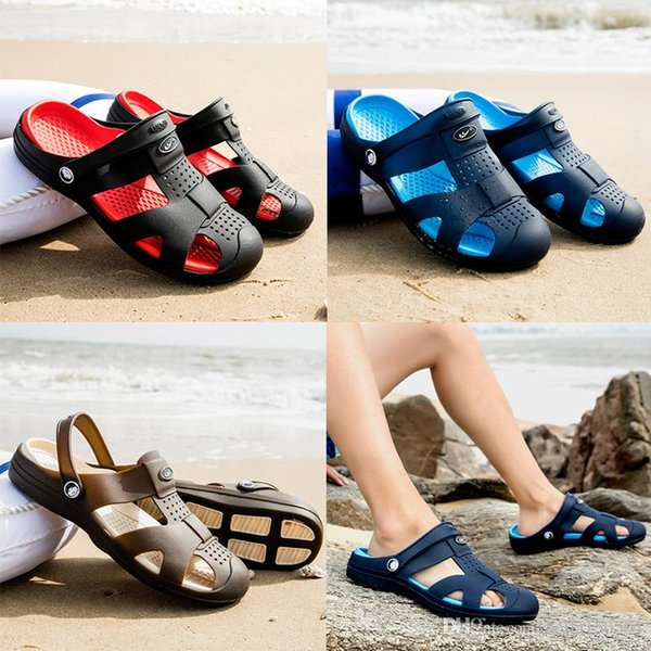 good quality Designer slippers Brand crocss Men's Flat Sandals Jelly Casual Shoes Male Double Buckle Summer Beach outdoor flip-flops