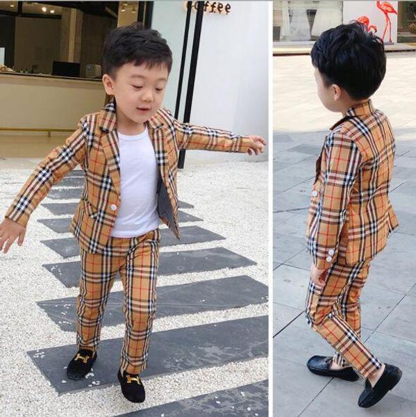 2019 New 2Pcs Boys Plaid Wedding Suit England Style Gentleman Boys Abito da cerimonia formale per bambini Set di abbigliamento primavera per bambini: cappotto + pantaloni