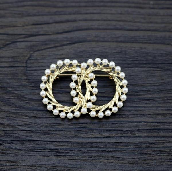 2019 nouveaux bijoux alliage d'or double rond incrusté perle broche collier aiguille badge vêtements aiguille en gros