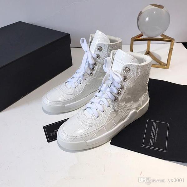 Pas cher de neige d'hiver en cuir femmes Australie classique moitié longues bottes cheville chaussures noir gris marron Femmes cx19081002