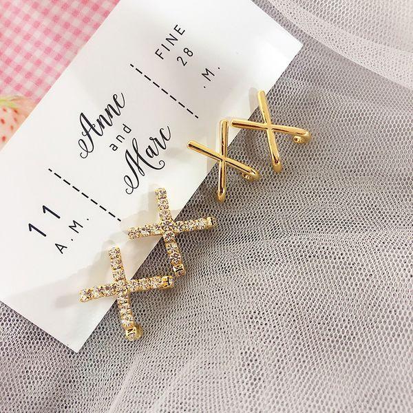 2019 Nueva llegada Cross Metal Mujeres Classic Stud Pendientes Coreano X Cross Geometric Earrings Female Simple Jewelry Korean