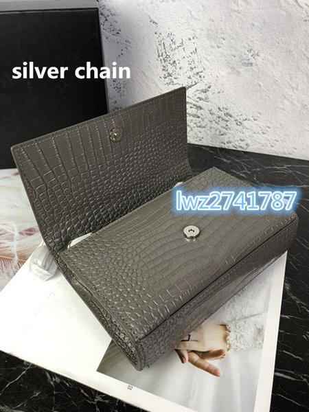 cinza com corrente de prata