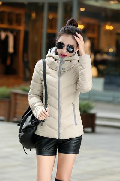 Femmes manteau nouvelles dames matelassée rembourré Puffer Bubble coton ultra-léger capuche en duvet d'oie col de fourrure plume court Slim chaud chaud veste épaisse