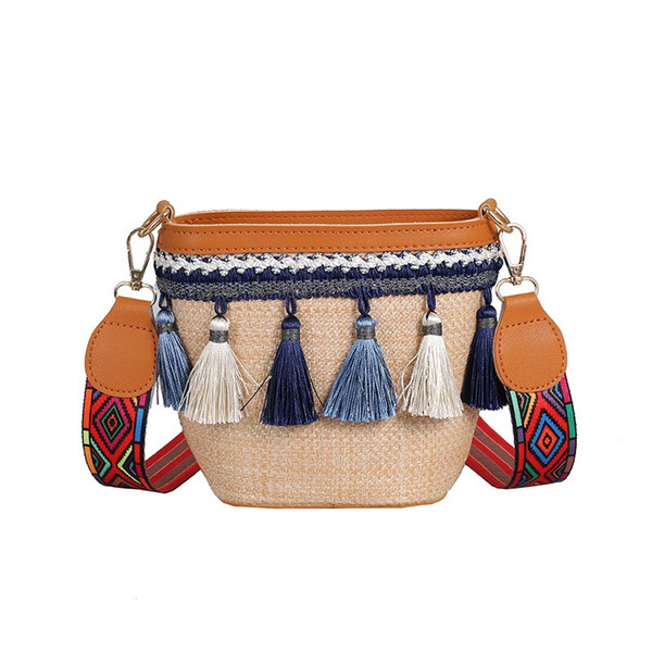 Womens Summer Beach Straw Tote Bag Womens Large Handbag Natrual Hand-Woven Pom Poms Travel Shoulder Bag with tassels