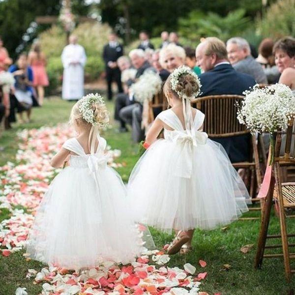 Consideravelmente branco princesa flor menina vestidos para casamentos spaghetti simples vestido de baile vestido pageant menina com arco comunhão vestidos de festa