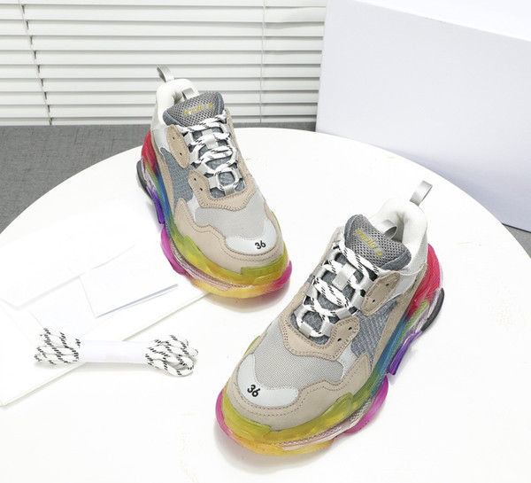 High Quality Paris 17FW Triple S Sneakers Triple-S Casual Dad Mens Designer Shoes for Women Designer sneakers Sports Trainers mm19072509