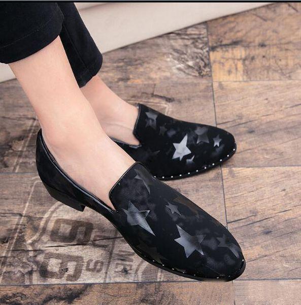 2019 Новый Стиль Вышивка Мужчины Классическая Обувь Повседневная Замша Кожаные Ботинки Мужчины Мокасины Формальная Свадьба Мужской Обуви